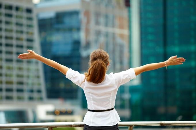 achieve-happiness-satisfaction-women