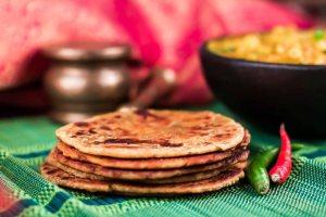 Gujarati_Bhakri_Recipe-1