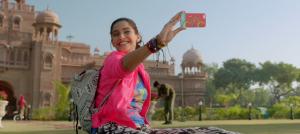 Sonam-kapoor-Khoobsurat-movie